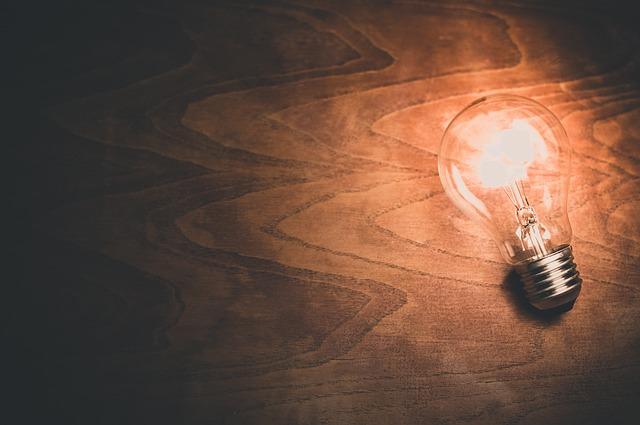 light-bulb-1246043_640-2.jpg